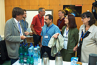 Discussions/Press Office - IAU General Assembly 2006